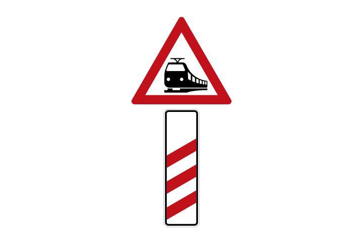 Verkehrsschild Bahnübergang